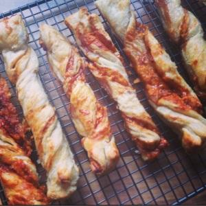 Marmite & Cheese Twists